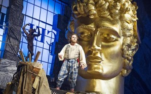 Terry Gilliam fa un espectacular 'Benvenuto Cellini' al Liceu