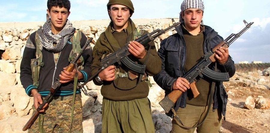Milicians kurds, respirando fuego