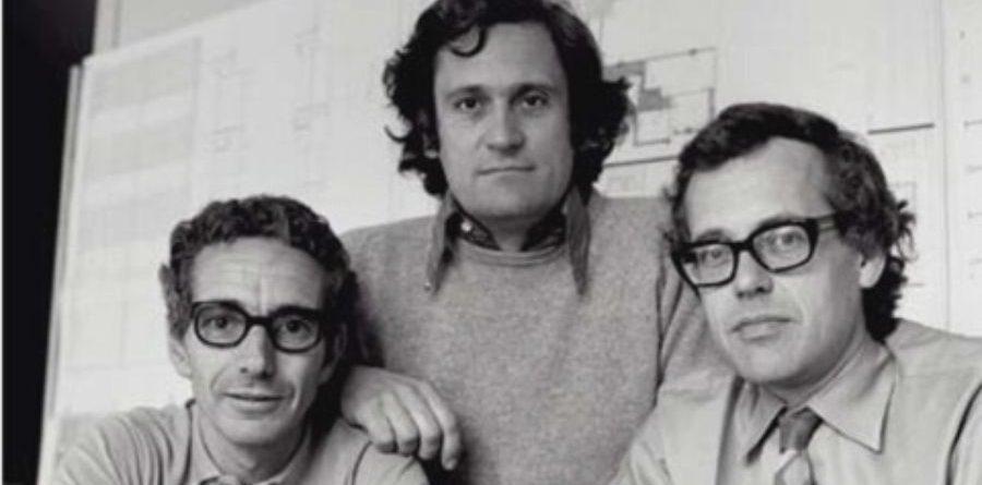 Josep Martorell, Oriol Bohigas (centre) i David Mackey en una foto de Català Roca.